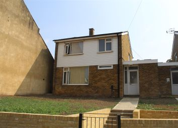 Wrotham Road, Gravesend DA11. 3 bed detached house