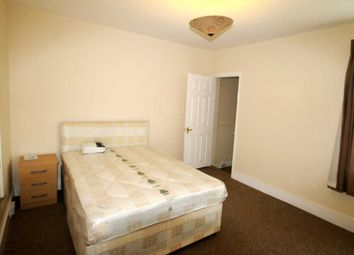 Thumbnail 1 bedroom property to rent in Double Room With Ensuite, Highgrove St, Reading