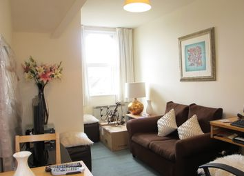 Thumbnail 1 bed flat to rent in Springfield Road, Wimbledon