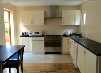 Thumbnail 5 bedroom property to rent in Woodhill, London