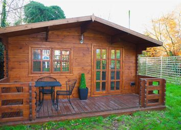 Thumbnail 1 bed bungalow to rent in Oak Stubbs Lane, Dorney Reach, Maidenhead