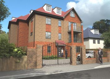 Ian Austin Mansions, Harewood Road, South Croydon CR2. 3 bed flat