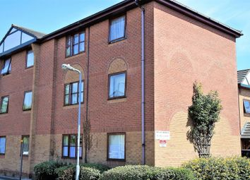 Thumbnail 2 bed flat for sale in Rugby Court, Grantham