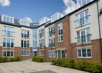 2 bed flat to rent in 46 Henconner Lane, Leeds, West Yorkshire LS13