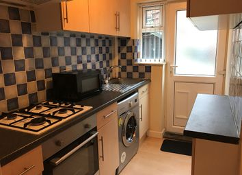 Thumbnail 3 bed flat to rent in Newport Road, Leeds
