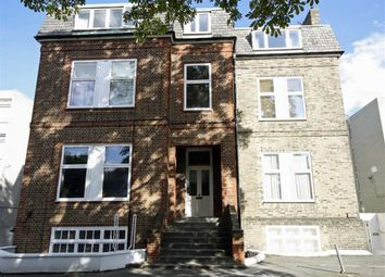 Thumbnail 2 bed flat to rent in Cedars Road, London