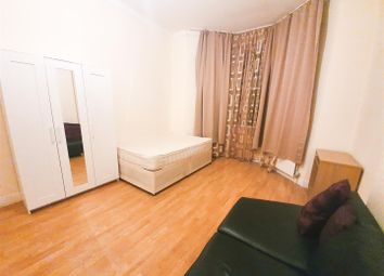 1 bed property to rent in Hilltop Road, London NW6