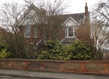 Thumbnail 1 bed flat to rent in Nutfield Road, Merstham