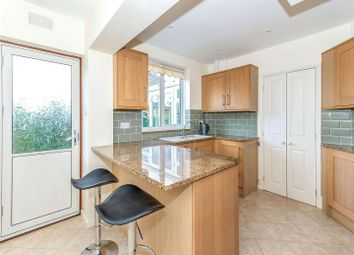 3 bed property to rent in Highlands Way, Stamford PE9