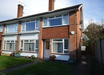 2 bed maisonette to rent in Oak Grove, Sunbury-On-Thames TW16