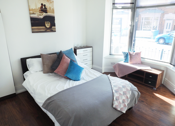 Thumbnail 1 bedroom flat to rent in Kings Bench Street, Hull