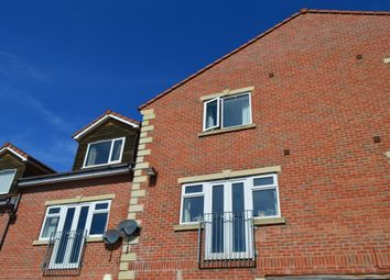 Thumbnail 3 bed flat to rent in Hunters Way, Leeds
