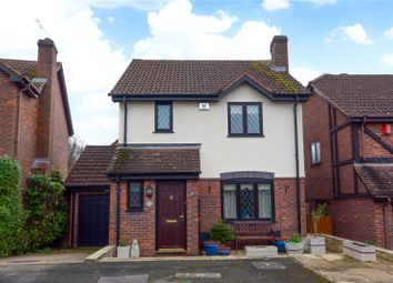 3 bed detached house for sale in Mutton Oaks, Binfield, Bracknell, Berkshire RG12