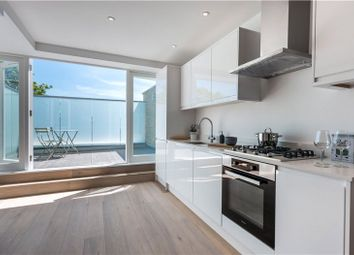 Thumbnail 2 bed flat for sale in Clapham Road, Clapham, London
