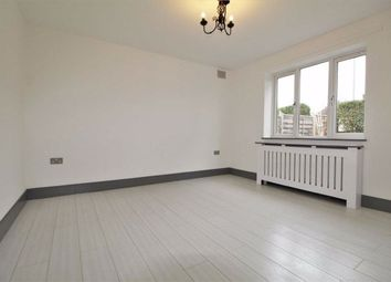 2 bed maisonette to rent in Beechwood Gardens, Slough SL1