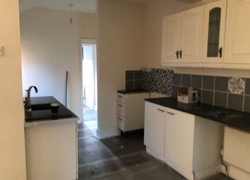 2 bed flat to rent in Browning Road, Herringthorpe, Rotherham S65