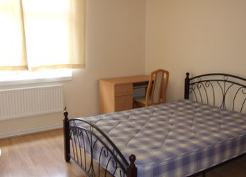 4 bed maisonette to rent in Beale Road, Bow E3