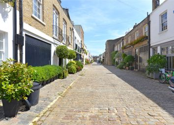 Thumbnail 3 bedroom mews house for sale in Hyde Park Gardens Mews, London