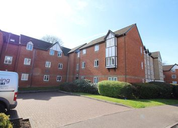 Thumbnail 2 bedroom flat to rent in Rembrandt Way, Reading