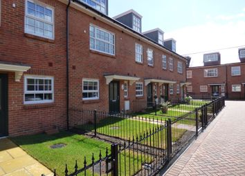 Thumbnail 4 bed town house to rent in King Mews, Park Road, Worthing