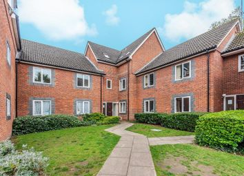 2 bed flat for sale in Stratheden Place, Reading RG1