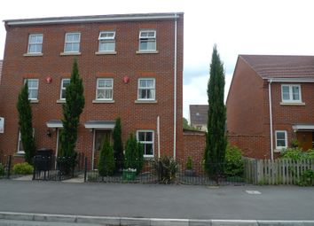 Thumbnail 4 bed town house to rent in Urquhart Road, Thatcham