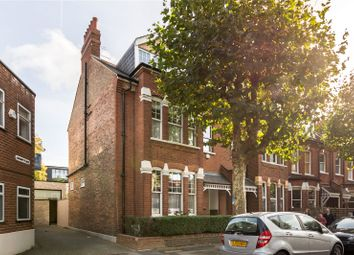 Thumbnail 5 bedroom terraced house for sale in Fortis Green Avenue, London