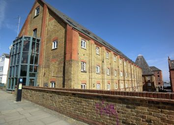 Thumbnail 1 bed flat to rent in Clifton Road, Gravesend