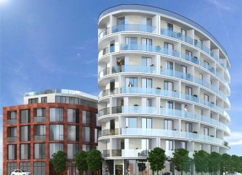 Thumbnail 3 bed flat for sale in Gateway House, Regents Park Road, Finchley, London
