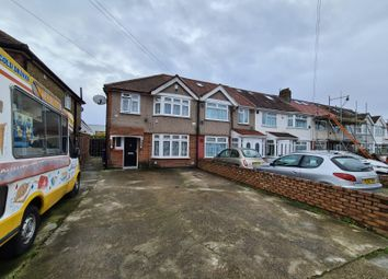 3 bed end terrace house to rent in Chaucer Avenue, Hounslow TW4