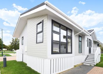 Thumbnail 2 bedroom mobile/park home for sale in Waters View, Yarwell