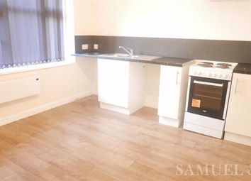 2 bed flat to rent in Market Place, Willenhall WV13