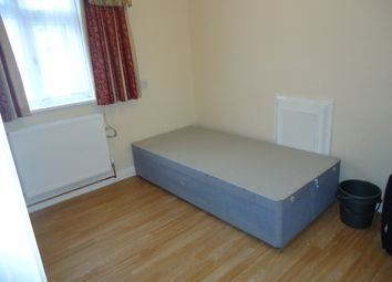Thumbnail Room to rent in High Streeet, New Malden