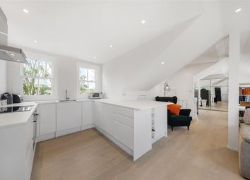 Edgeley Road, London SW4. 1 bed flat