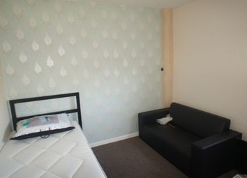 Thumbnail Room to rent in Harcourt Close, Birchwood, Warrington