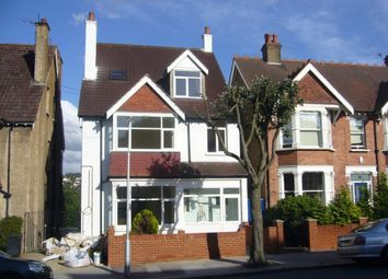 Thumbnail 1 bed flat to rent in Blenheim Park Road, South Croydon, Surrey