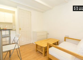 Thumbnail Studio to rent in Bennett Road, London