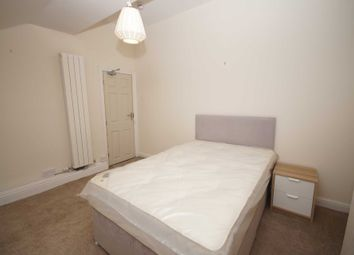 Thumbnail Room to rent in Room 5, Somerset Road, Heaton