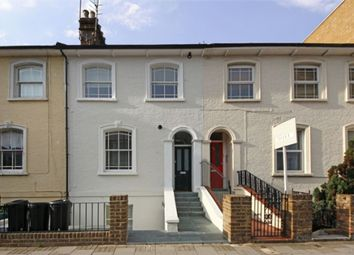 Thumbnail 1 bed flat to rent in Chiswick High Road, London