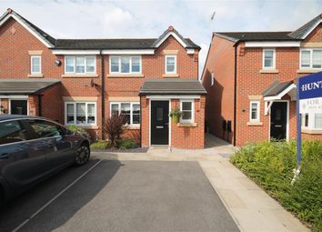 Thumbnail 3 bed town house for sale in Shackleton Avenue, Widnes