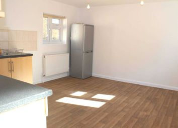 Thumbnail 3 bedroom flat to rent in Chatsworth Road, London