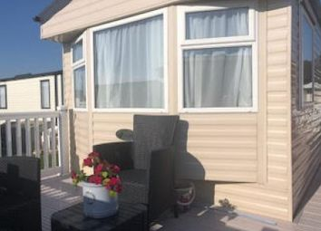 Thumbnail 2 bed mobile/park home for sale in Hoburne, Christchurch