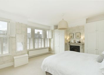 Thumbnail 5 bedroom terraced house to rent in Elms Crescent, London