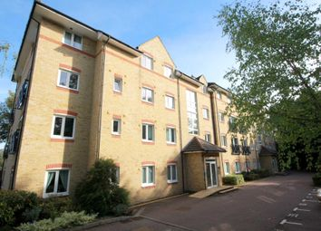 Thumbnail 2 bed flat for sale in Hardings Close, Hemel Hempstead