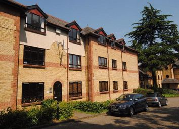 2 bed flat to rent in Hatfield Road, St Albans AL1