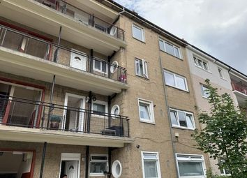Thumbnail 3 bed flat to rent in 17 Fieldhead Drive, Thornliebank
