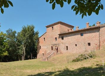 Thumbnail 9 bed country house for sale in Urbino, Pesaro, Marche