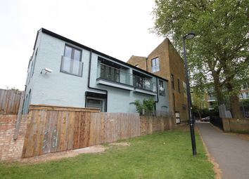 Thumbnail 3 bed flat to rent in East Dulwich Road, London