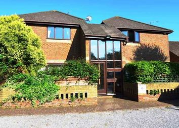 Thumbnail 1 bed flat to rent in Dering Road, Ashford