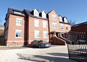 Thumbnail 2 bed flat to rent in Parkgate Road, Neston